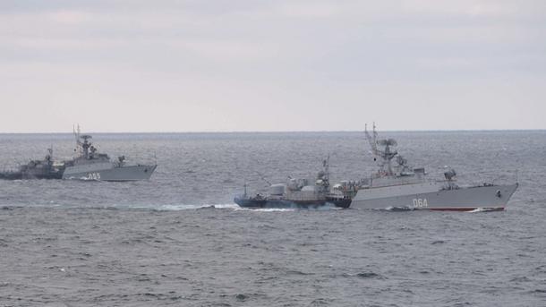 Rusia dërgon 15 anije luftarake në detin e Zi | TRT  Shqip