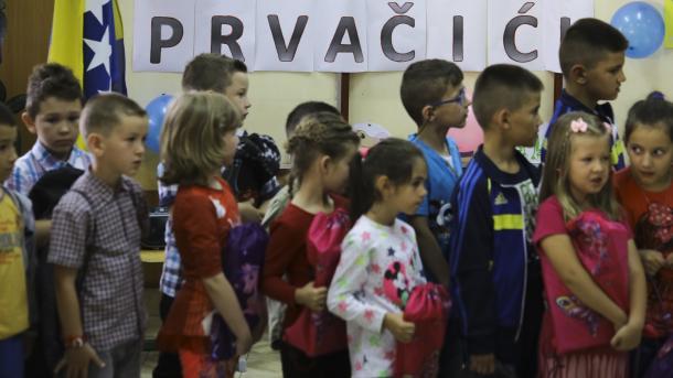 Sektaško ponašanje prema Bošnjačkoj djeci u javnim školama u Republici Srpskoj (VIDEO)
