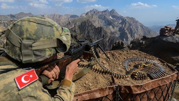Ushtria turke neutralizon 5 terroristë të PKK-së në veri të Irakut   TRT  Shqip