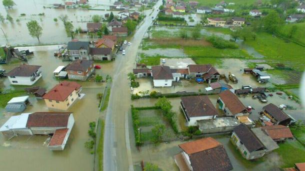 Rezultat slika za Zbog odrona i klizišta obustavljen saobraćaj na nekoliko putnih pravaca u BiH