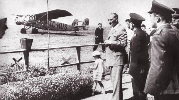 A e dini se fabrika e parë e avionëve në Turqi u themelua në vitin 1926?   TRT  Shqip