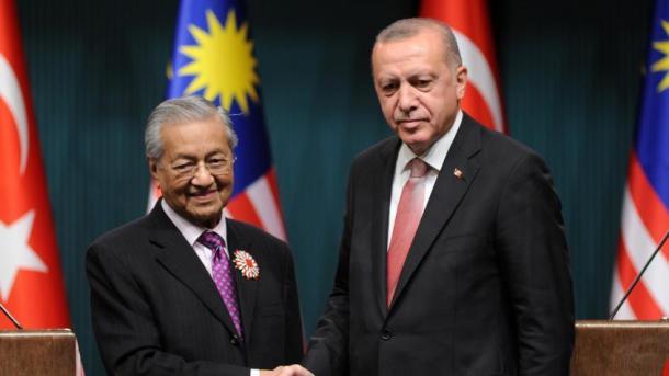 Erdogan: Me Malajzinë kemi një qëndrim të përbashkët për çështjet e botës myslimane | TRT  Shqip
