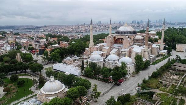 UMAD: Urojmë që Shën-Sofia të hapet për adhurim si xhami   TRT  Shqip