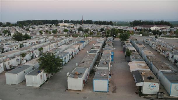 Spyropoulou: Kur pash përsosmërinë e kampeve të refugjatëve në Turqi, më erdhi turp që jam greke | TRT  Shqip