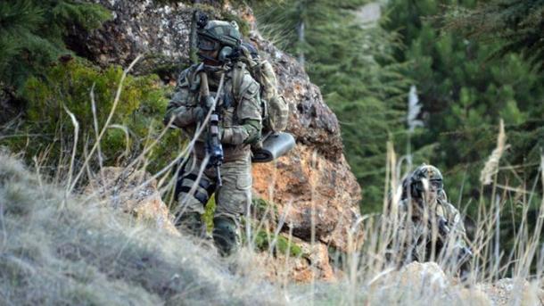 Tre terroristë të PKK/YPG u dorëzuan tek forcat turke të sigurisë   TRT  Shqip