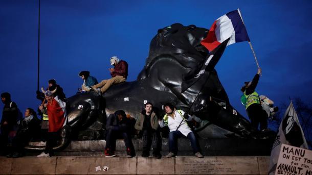 Reforma e pensioneve protestohet në shumë qytete të Francës | TRT  Shqip