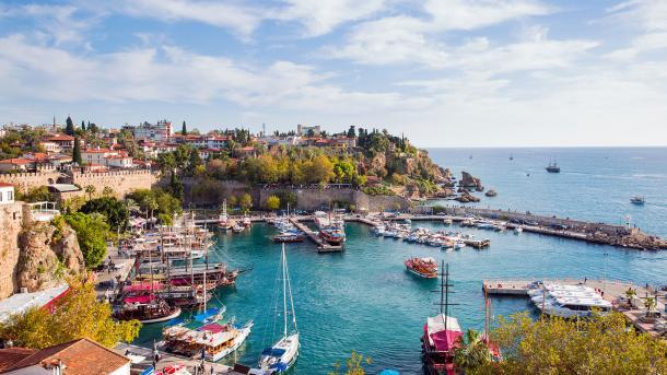Анталью в июне посетили 2 204 220 иностранных туристов