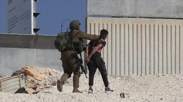 Izraeli ndalon 11 palestinezë në Bregun Perëndimor | TRT  Shqip