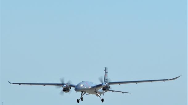 Turqi – Droni luftarak Bayraktar AKINCI përfundon me sukses testin në lartësinë 20.000 këmbë | TRT  Shqip