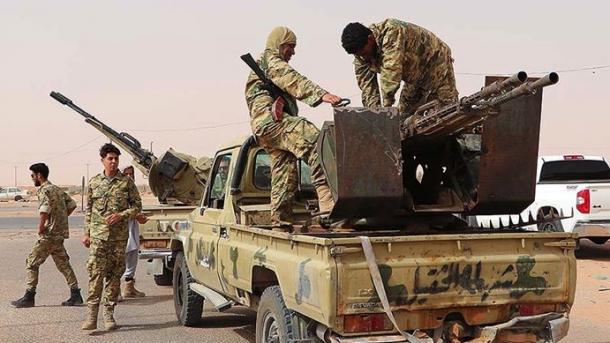 Ushtria Libiane dislokon automjete ushtarake në afërsi të Sirtes dhe Xhufras | TRT  Shqip