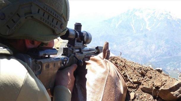 Forcat turke të sigurisë neutralizuan 2 terroristë në veri të Irakut dhe 11 në Siri   TRT  Shqip
