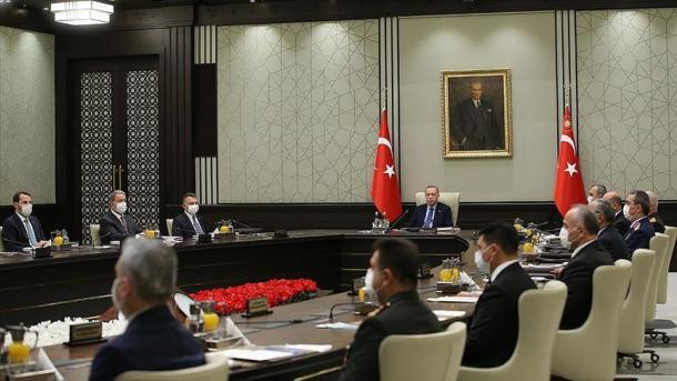 Këshilli i Sigurisë Kombëtare vë theksin në vendosmërinë për vazhdimin e luftës kundër terrorit   TRT  Shqip