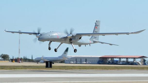Komandanti i Forcave Detare Ukrainase bën fjalë me lëvdata për dronët e armatosur turq | TRT  Shqip
