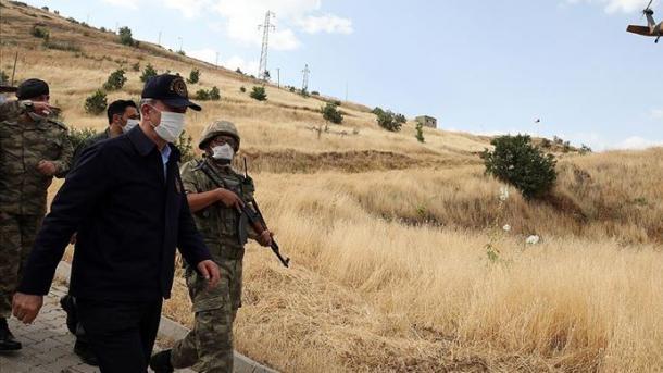 Akar për operacionin Kthetra-Tigri: Deri tani janë goditur më shumë se 700 objektiva | TRT  Shqip