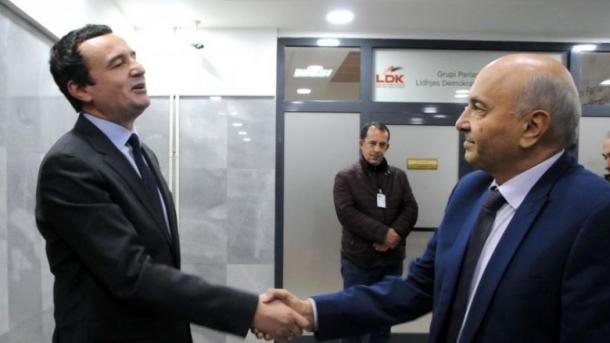 Nënshkruhet marrëveshja për koalicionin qeverisës në Kosovë   TRT  Shqip