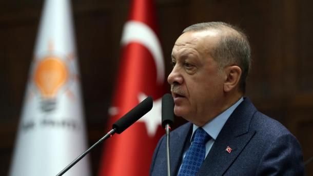 AK Parti fillon fushatën: Mobilizim vullnetar për një Turqi më të madhe | TRT  Shqip