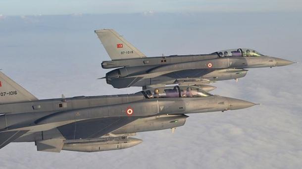 Avionët turq neutralizuan 6 terroristë të PKK-së në Kandil | TRT  Shqip