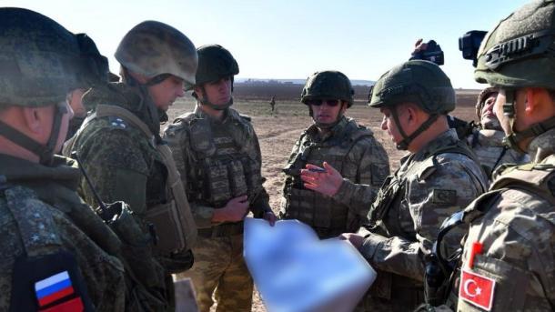 Ushtarët turq e rusë përfunduan patrullimin e 11-të të përbashkët tokësor në Eufratin lindor | TRT  Shqip