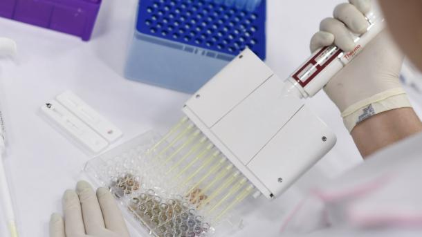 Anglia filloi vaksinimin më të madh të historisë së saj | TRT  Shqip