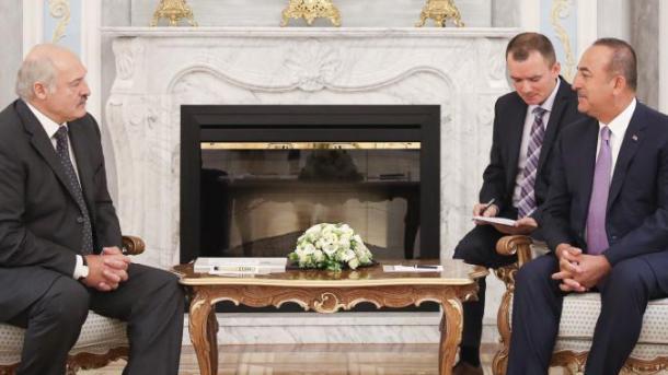 Çavusoglu: Dëshirojmë të zhvillojmë edhe më tej marrëdhëniet me Bjellorusinë | TRT  Shqip