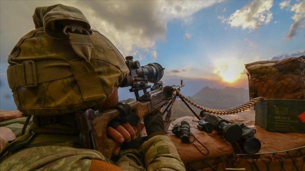 Hakkari – Forcat turke të sigurisë neutralizojnë 2 terroristë të PKK-së   TRT  Shqip