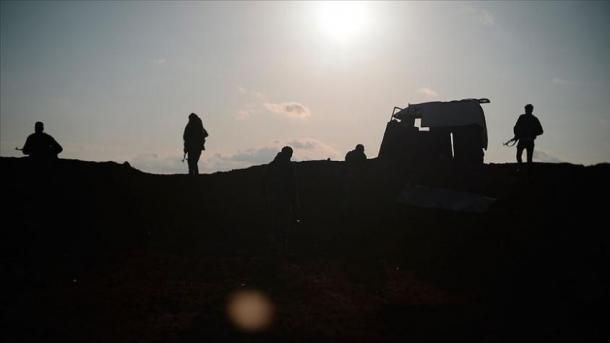 Siri – 1 i vrarë dhe 5 të plagosur gjatë luftimeve mes YPG.PKK-së dhe Ushtrisë së Lirë Siriane | TRT  Shqip