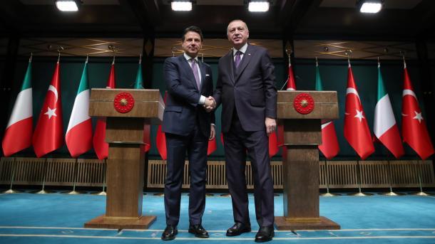 Erdogan për armëpushimin në Libi: Uroj që marrëveshja të nënshkruhet së shpejti | TRT  Shqip
