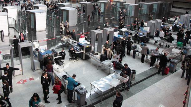 Aeroportet e Stambollit gjatë verës mirëpritën rreth 29 milionë pasagjerë   TRT  Shqip