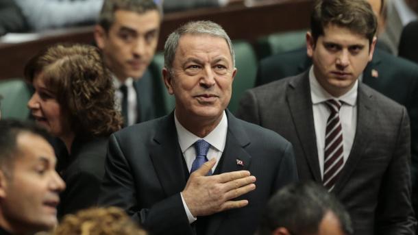 Akar: Turqia mbështet deri në fund armëpushimet në Idlib dhe Libi | TRT  Shqip