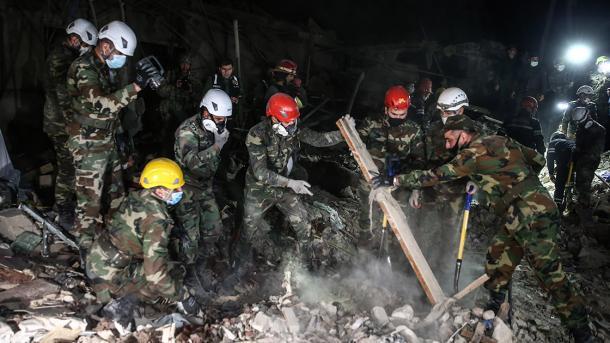 Armenia natën sulmoi me raketa civilët azerbajxhanas, raportohen shumë të vrarë dhe të plagosur   TRT  Shqip
