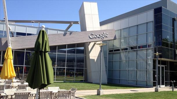 """""""Google"""" imponon vaksinimin antiCOVID për kthimin e punonjësve në zyra   TRT  Shqip"""