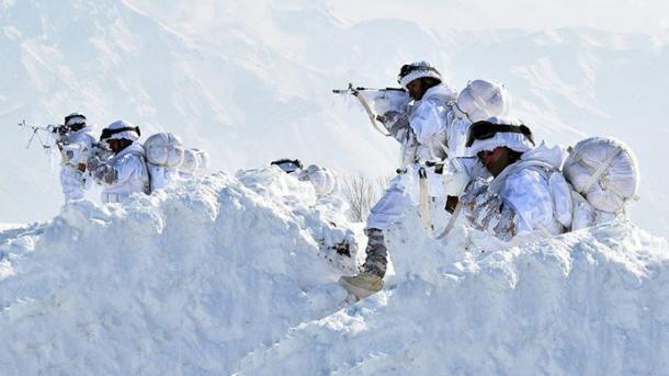 Ushtria turke neutralizon 8 terroristë të PKK-së në veri të Irakut | TRT  Shqip