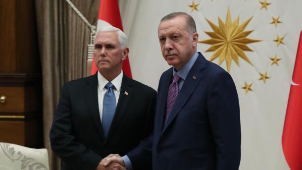 Deklarata e Përbashkët Turqi-SHBA për Verilindjen e Sirisë: 13 pikat | TRT  Shqip