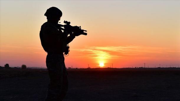 Turqi – Vetëdorëzohen 2 terroristë të PKK/YPG-së | TRT  Shqip