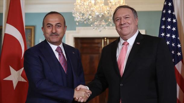 Bisedë telefonike Çavusoglu-Pompeo, në fokus çështjet dypalëshe, Iraku dhe Irani   TRT  Shqip