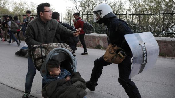 HRW i bën thirrje BE-së dhe Greqisë të respektojë të drejtat e emigrantëve | TRT  Shqip