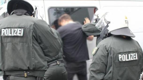 Gjermani – Dy gra turke përballen me sulme raciste   TRT  Shqip