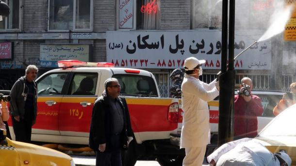 Koronavirusi në Iran – Disa biznese dhe institucione shtetërore rifillojnë aktivitetin | TRT  Shqip