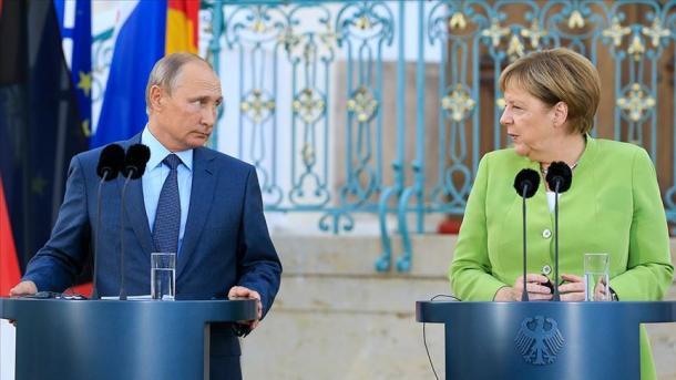 Biseda telefonike Merkel-Putin, në fokus kriza në Ukrainë | TRT  Shqip