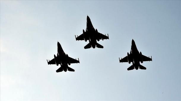 Ushtria turke vazhdon t'i japë goditje PKK-së terroriste në veri të Irakut   TRT  Shqip