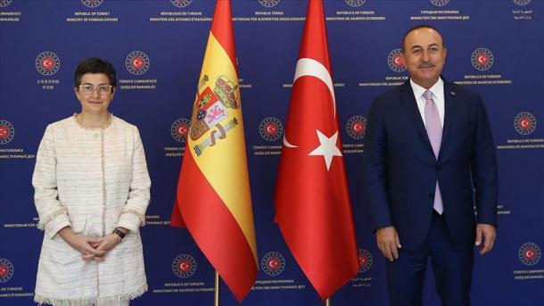 Çavusoglu: Operacioni «IRINI» i BE-së mbështet Haftarin, ndëshkon qeverinë Libiane | TRT  Shqip