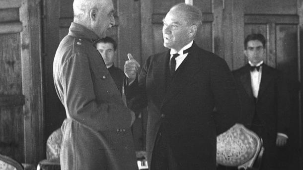 A e dini se opera e parë turke u kompozua me direktivën e vetë Mustafa Kemal Ataturkut? | TRT  Shqip