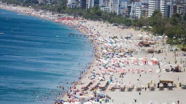 Rekord historik në Antalia, qyteti vizitohet nga mbi 10 milionë turistë | TRT  Shqip