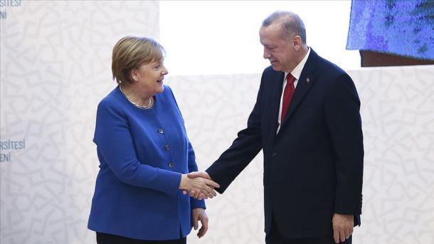 Erdogan dhe Merkel zhvillojnë takimin dypalësh në Stamboll   TRT  Shqip