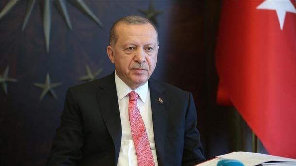اردوغان مردم را به حمایت از مبارزه با اپیدمی COVID-19 فرا می خواند  TRT Shqip