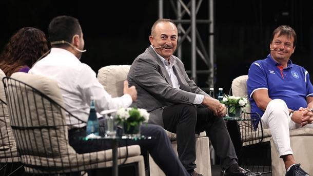 Çavusoglu: U bëra diplomat për inat të organizatës terroriste armene   TRT  Shqip