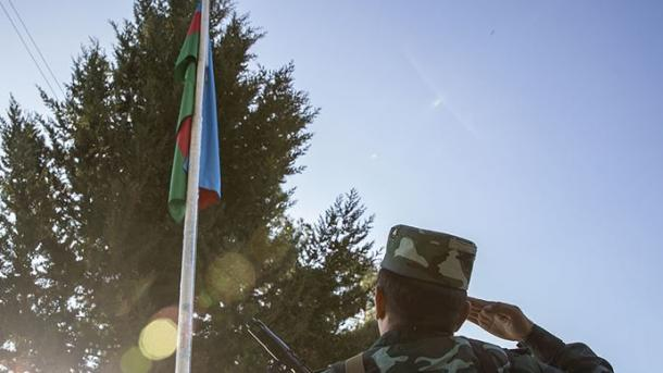 Azerbajxhani ngre në shtizë flamurin e tij në Zengilan të çliruar nga okupimi armen | TRT  Shqip