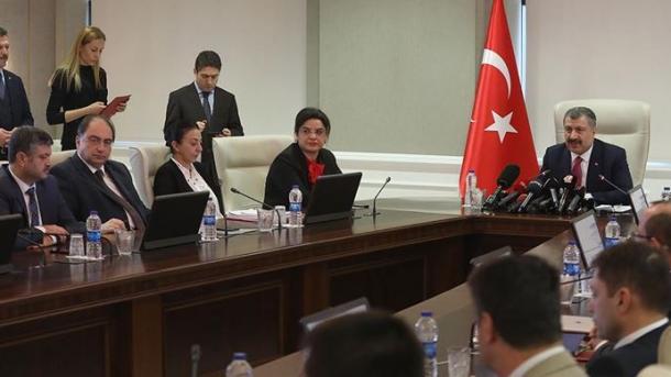 Personeli mjekësor dhe ekuipazhi turk i evakuimit nga Huani është nxjerrë nga karantina   TRT  Shqip