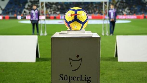 Futboll – Alanyaspor kryeson edhe pas javës 5. të superligës turke | TRT  Shqip