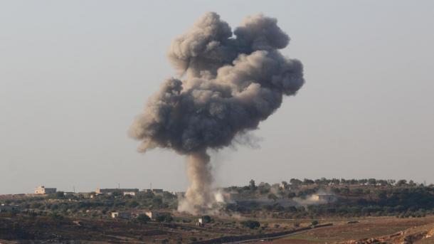 Regjimi dhe Rusia vazhdojnë sulmet në zonën e çtensionimit në Idlib | TRT  Shqip